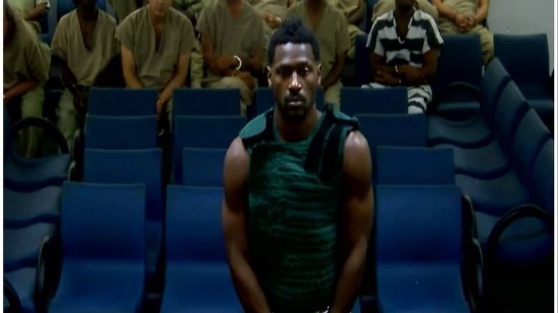 Antonio Brown faces judge as bond set at $110,000