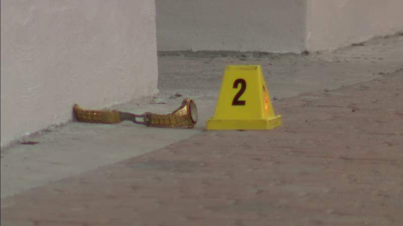 Police investigate shooting on Hollywood Boulevard downtown
