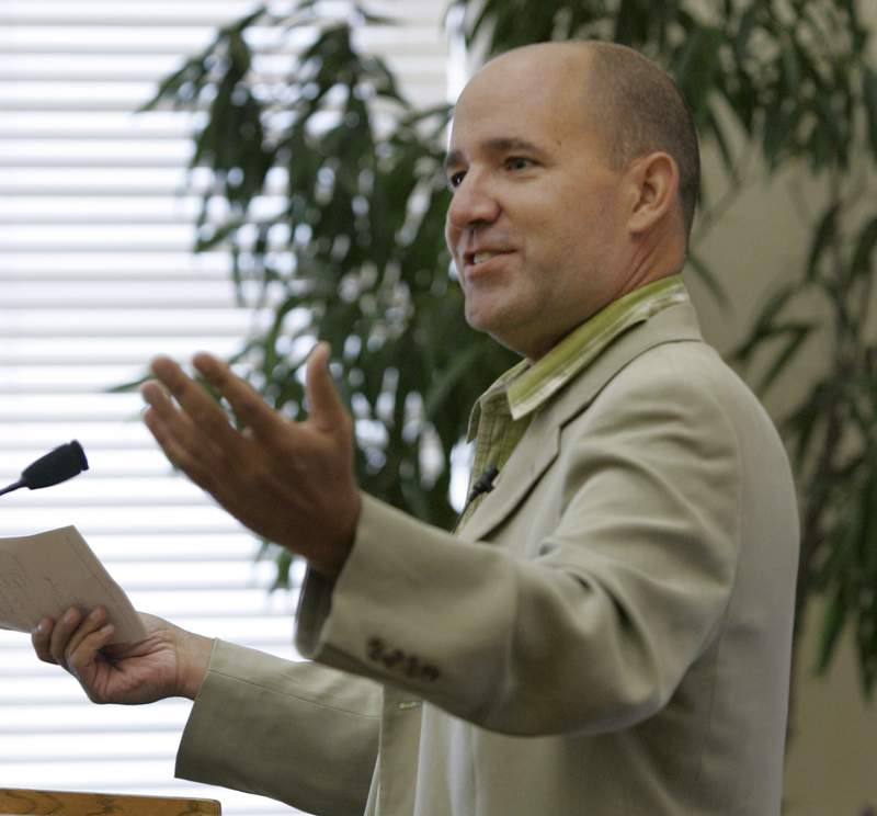 In this Sept. 2, 2009 file photo, Matthew Dowd, chief campaign strategist for the Bush-Cheney 2004 presidential campaign, speaks at the University of Arkansas Clinton School of Public Service in Little Rock, Ark. Dowd announced Wednesday, Sept. 29, 2021, that he will run as a Democrat for Texas lieutenant governor. (AP Photo/Danny Johnston File)