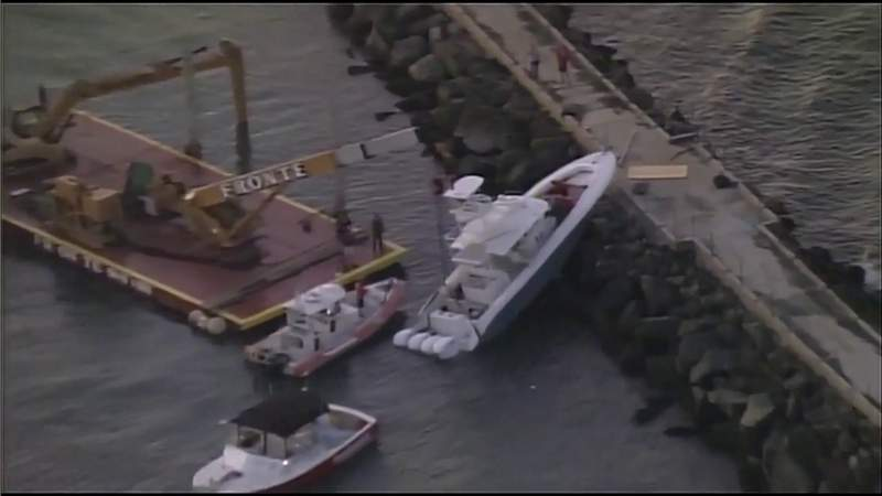 Officials identify victims of Hollywood jetty boat coach