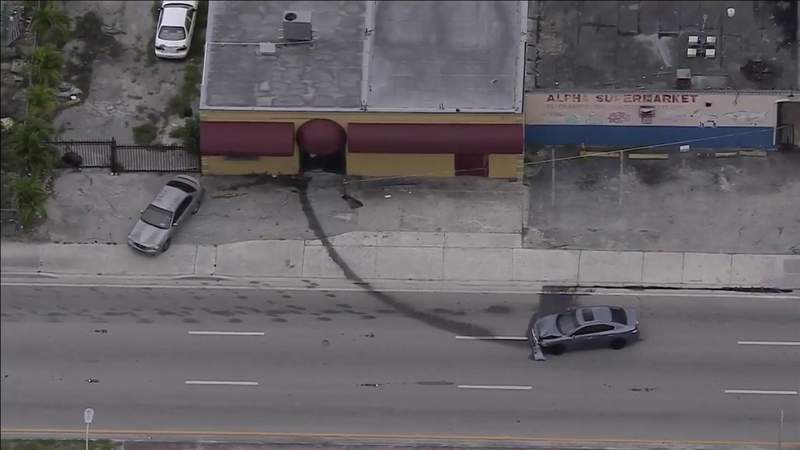 Wounded after shooting, driver crashes into building in Miami-Dade's Pinewood area