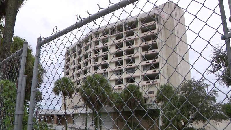 Man dies after fall at abandoned Miami Gardens building
