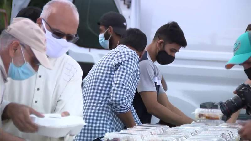 Miami Dolphins celebrates Ramadan by partnering with local mosque