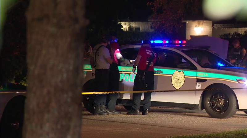Police investigating shooting that sent 4 people (2 kids) to hospital