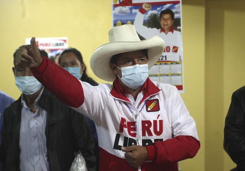 El candidato presidencial del partido Per Libre, Pedro Castillo, habla durante una conferencia en Chota, Per, el mircoles 14 de abril de 2021. Castillo, un maestro rural, se enfrentar a la candidata Keiko Fujimori en la segunda vuelta de las elecciones presidenciales del 6 de junio. (AP Foto/Martn Meja)