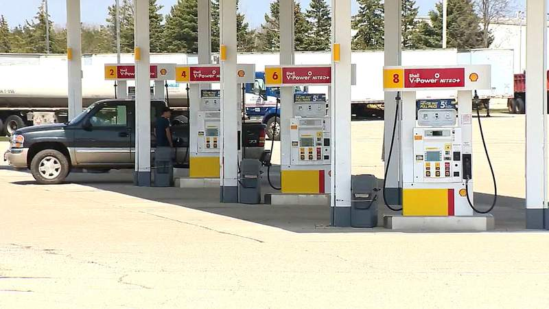 Gas prices take big dips to COVID-19 crisis but expert says it won't last