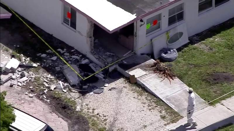 Teen drives stolen car into Fort Lauderdale house, police say