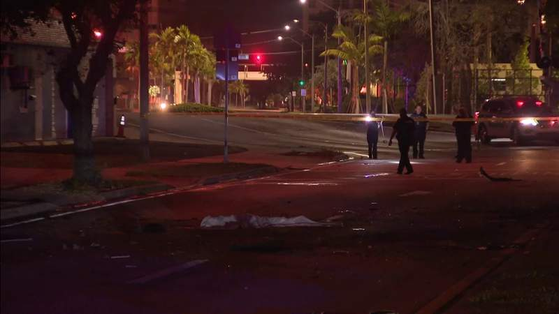 Woman dies after losing control of car in Fort Lauderdale