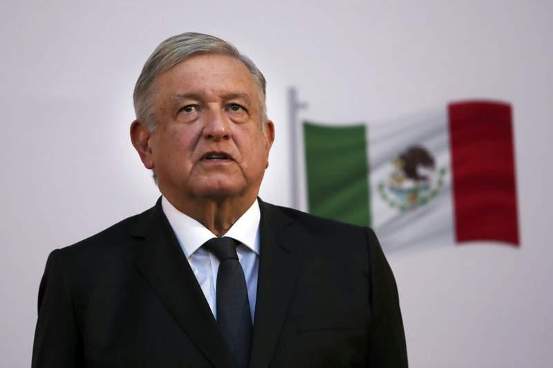 ARCHIVO - En esta foto de archivo del 1 de diciembre de 2020, el presidente mexicano Andrs Manuel Lpez Obrador asiste al festejo por el segundo aniversario de su triunfo electoral, en el Palacio Nacional de la Ciudad de Mxico. (AP Foto/Marco Ugarte, archivo)