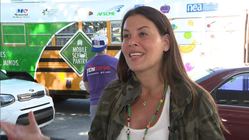 Mobile School Pantry helps feed families in need