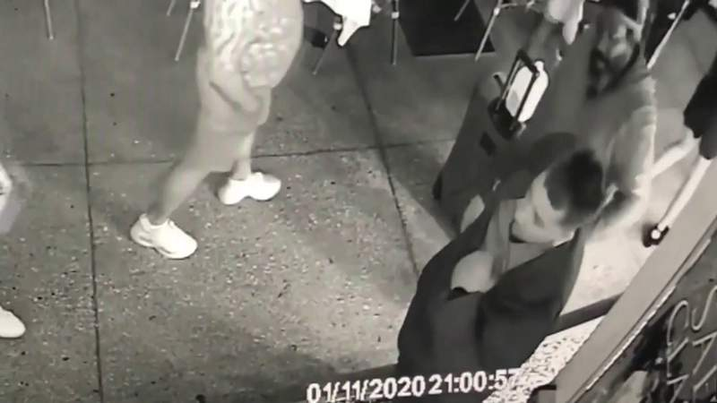 Videos shows man brandishing knife minutes before shooting in South Beach