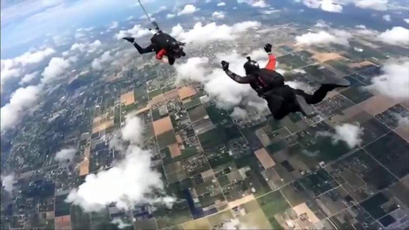 Local 10's Alexis Frazier takes to the skies ahead of Air & Sea Show