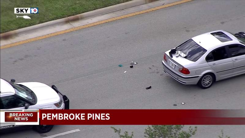 Officers search for gunman in Lexus after 1 injured in Pembroke Pines shooting