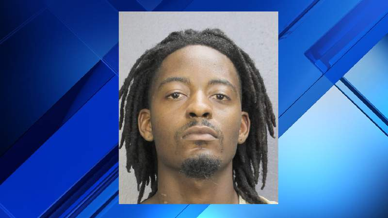 Dequann Irvin, 25, is accused of shooting at his girlfriend's car in Sunrise.
