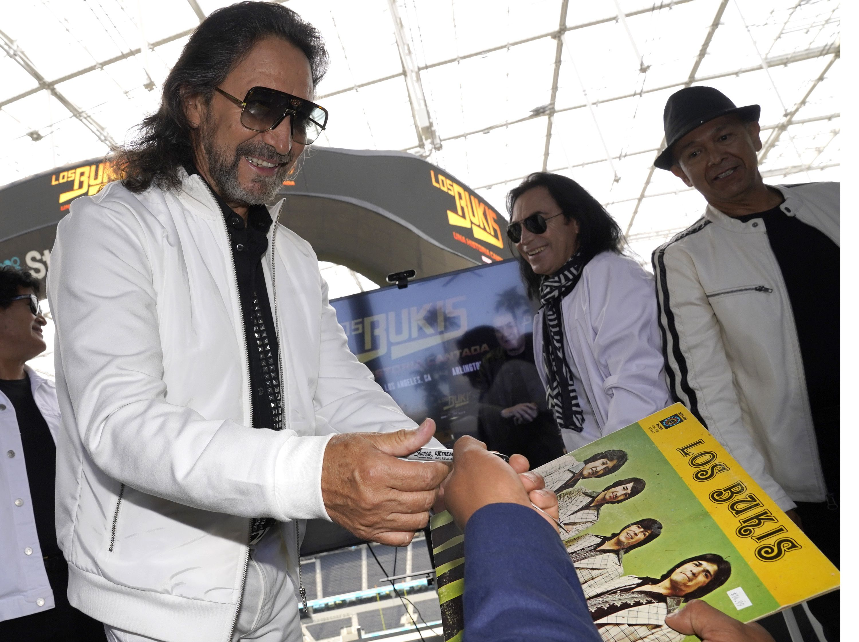 Mexican band Los Bukis to reunite for 1st tour in 25 years