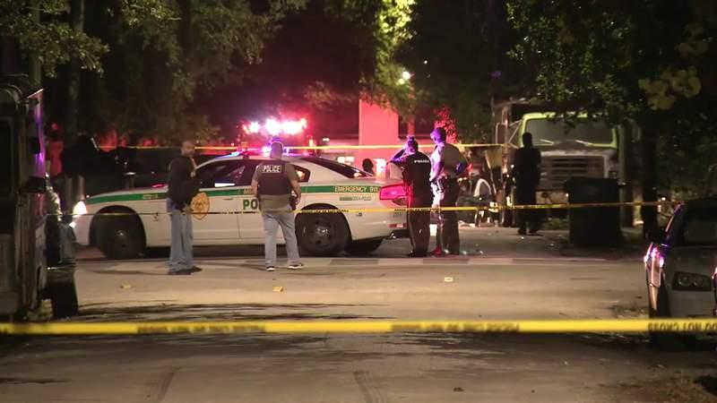 GF Default - 2 officers injured, 2 men killed in fatal Miami-Dade shooting