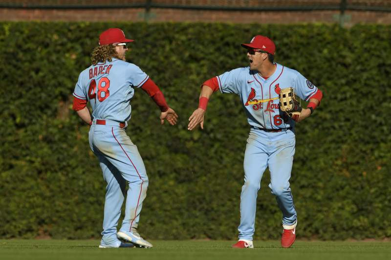 LEADING OFF: Cards seek sweet 16, Yanks-Red Sox for WC lead