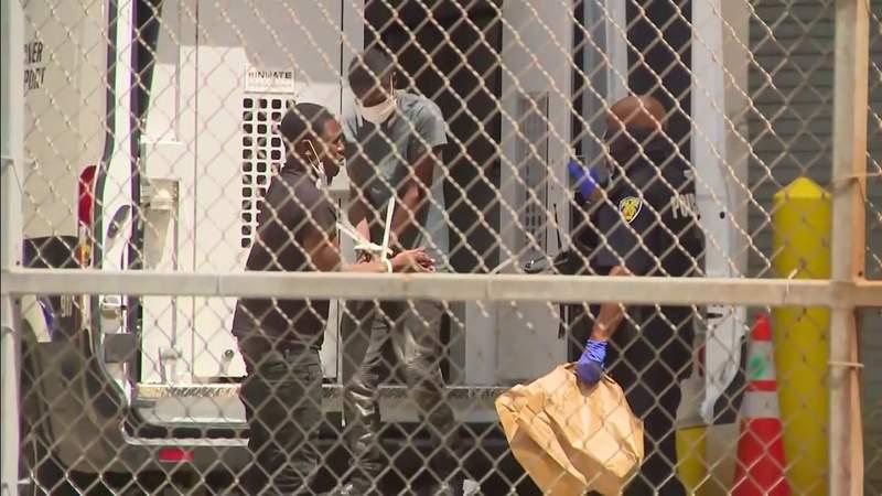Man, 19, remains at Broward jail as suspect in carjacking with toddler