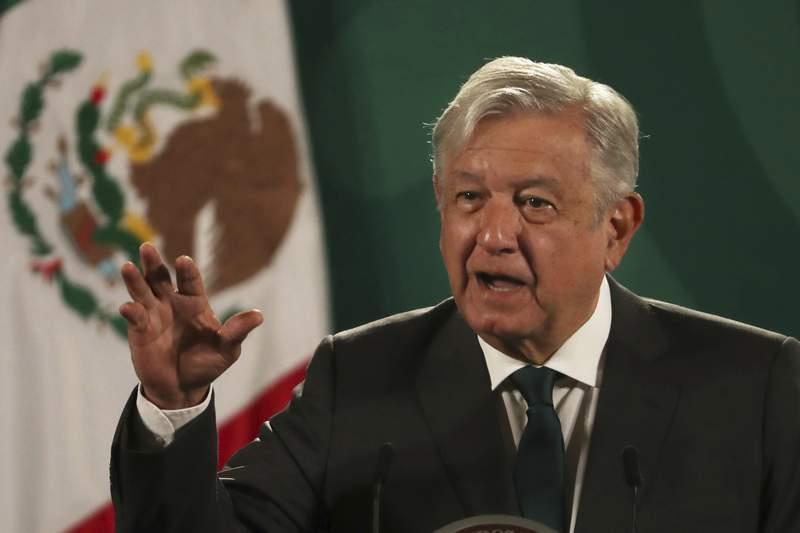 El presidente de Mxico, Andrs Manuel Lpez Obrador, da su conferencia de prensa diaria en el Palacio Nacional de la Ciudad de Mxico, el martes 8 de junio de 2021. (AP Foto/Marco Ugarte).