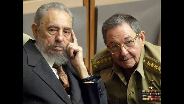 Fidel Castro and his brother, Raul.