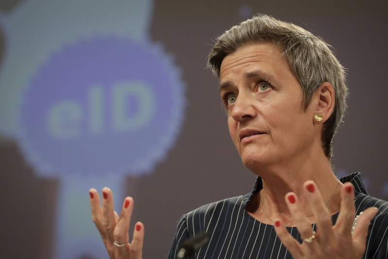 Margrethe Vestager, responsable de temas digitales de la Comisin Europea, da una conferencia de prensa en la sede de la UE en Bruselas, el 3 de junio de 2021. (Stephanie Lecocq, Pool va AP)