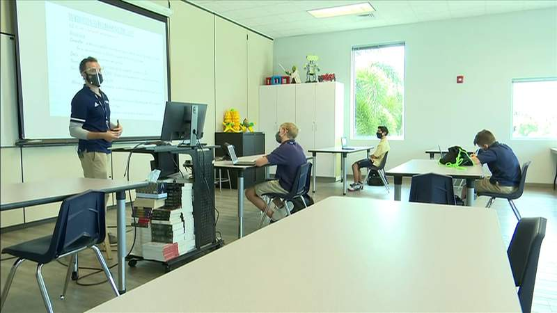 Broward, Miami-Dade aim to have 100% in-person classes in the fall