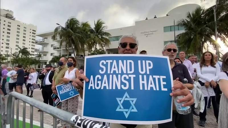'No Fear. No Hate' rally against anti-Semitism attracts diverse crowd