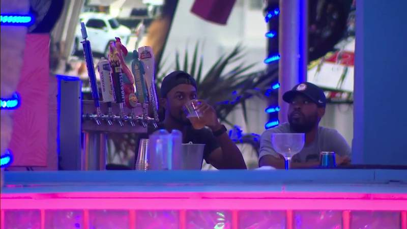 South Beach's new last-call for alcohol begins on Ocean Drive, Collins Avenue