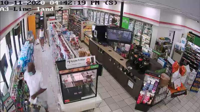 Booze bandits target South Florida 7-Elevens, walk out not paying for cases of beer
