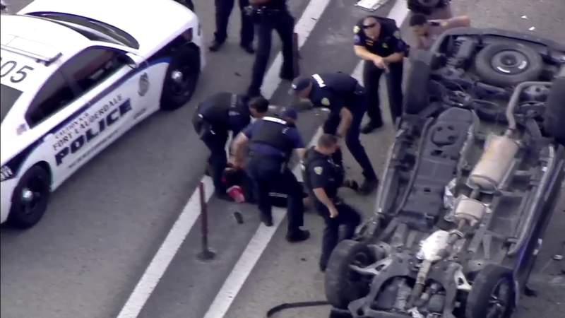 5 juveniles in stolen SUV in custody, 1 in hospital after vehicle flips, rolls over during chase on I-95