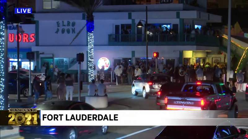 NYE revelers crowd bar in Fort Lauderdale Beach
