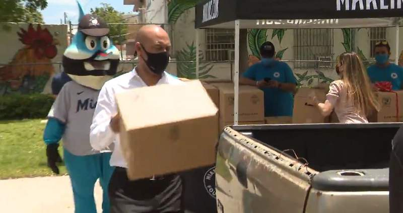 Marlins CEO Derek Jeter was on hand as the team donated its millionth meal during the COVID-19 pandemic.