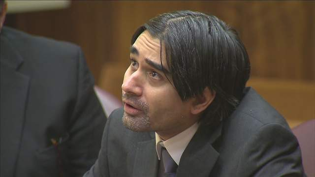 Derek Medina, pictured here during his trial in 2015, fatally shot his wife and posted a photo of her corpse on Facebook.