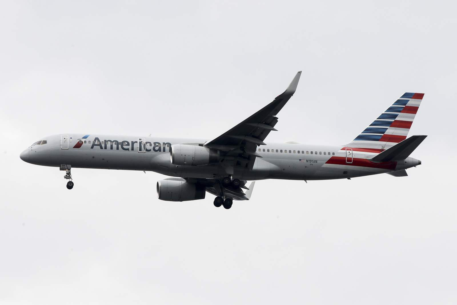 AmericanAirlines pilot tests positive for COVID-19