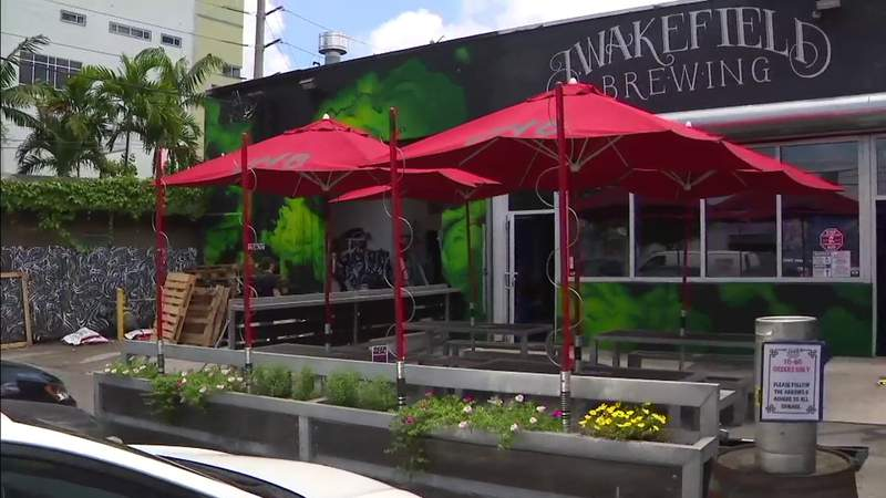 Miami bars that serve food caught in the crosshairs of reopening decisions