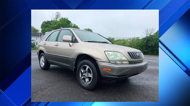An SUV, similar to the one pictured here, struck three bicyclists June 3 in Pinecrest, authorities said.