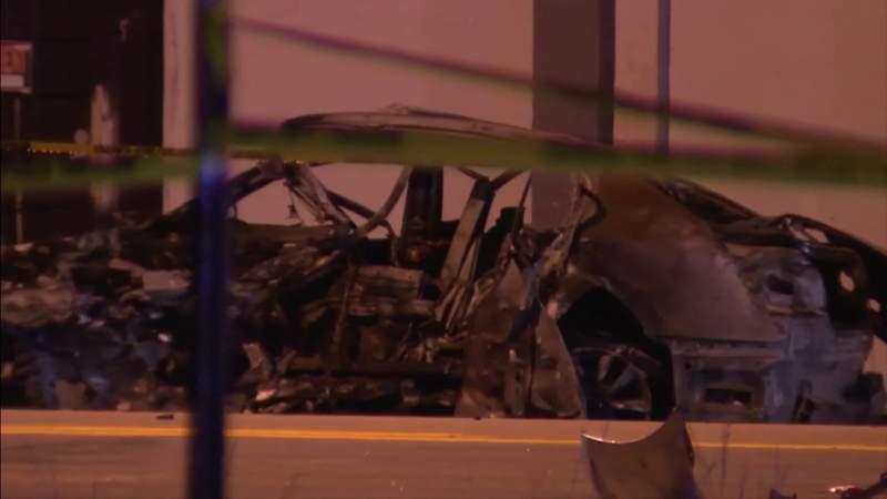 Fiery head-on crash kills 2, injures 6, including pregnant woman