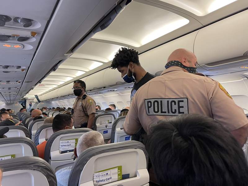 """Former FSU football star Dontavious Jackson says he was almost arrested on a United flight in Miami after a """"racist family"""" began harassing him and then they said he punched them."""