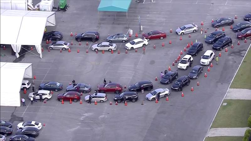 Long lines in Miami-Dade County for COVID-19 vaccines as demand higher than supply