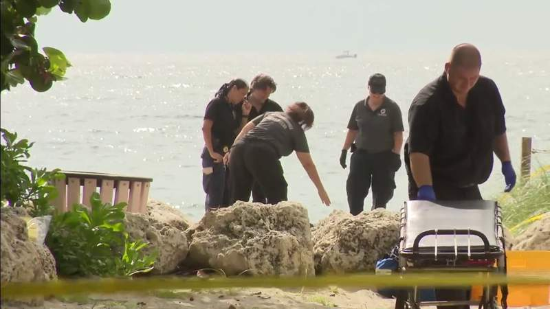 Officers find 2 men stabbed to death in Lauderdale Beach