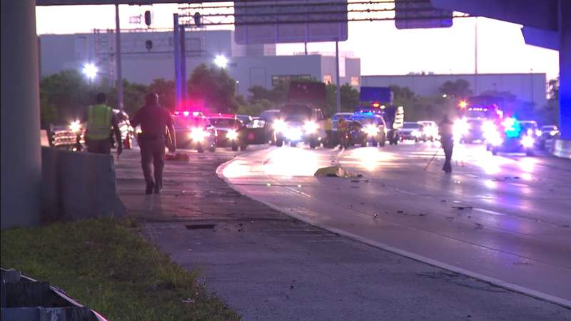 Pedestrian killed while walking along I-95