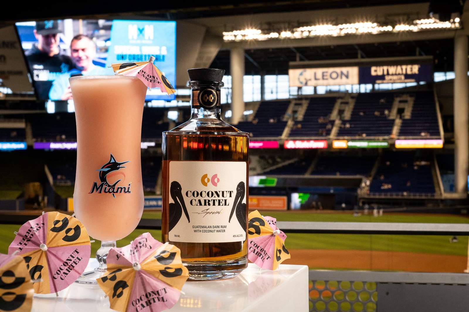 Coconut Cartel en el estadio de los Marlins de Miami
