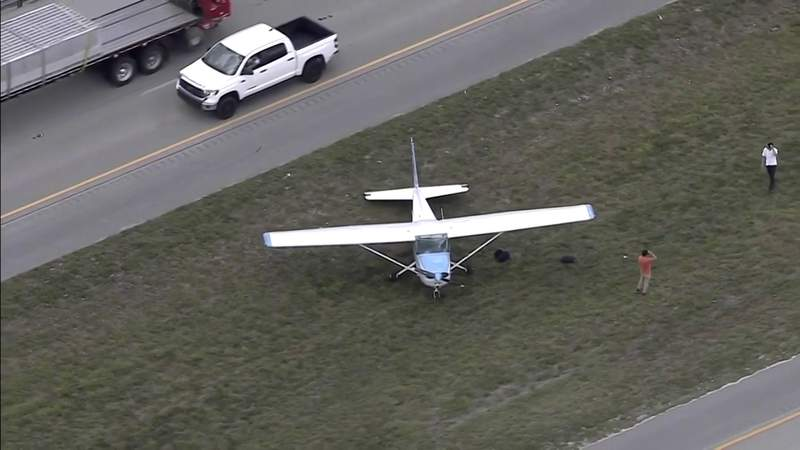 Small plane engine abruptly fails forcing pilot to make emergency landing on Weston highway