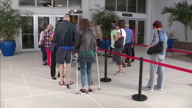 Tamarac seniors wait in long lines for coronavirus vaccine appointments