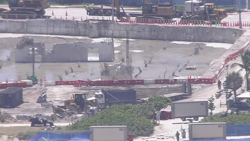 Video sin editar: el helicóptero SKY 10 sobrevuela el sitio del derrumbe del edificio de Surfside