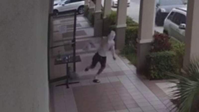 Thief steals restaurant's donation jar to help feed health care workers
