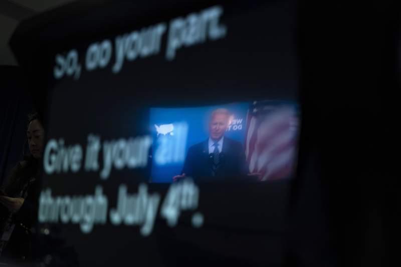 El teleprompter del presidente Joe Biden cuando ste da un discurso sobre COVID-19, en la Casa Blanca en Washington, el 2 de junio del 2021. (Foto AP/Evan Vucci)