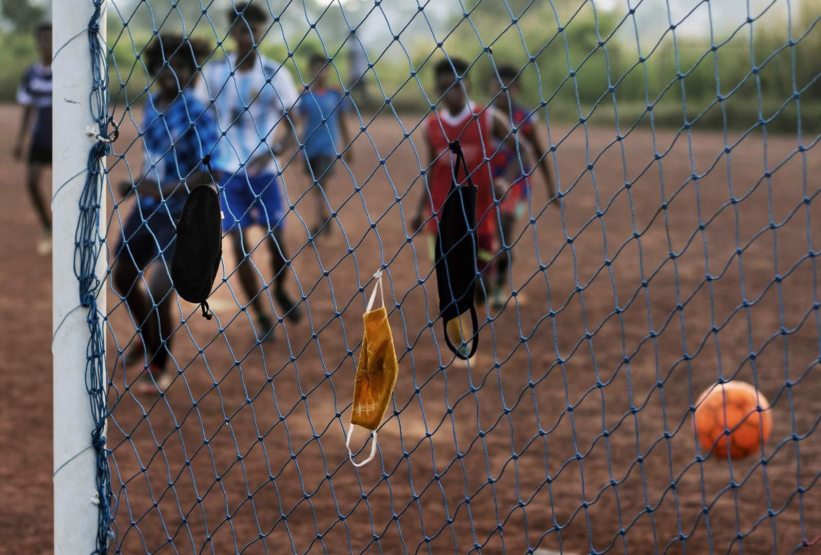 Lo último: 321 infectados en una fábrica de ropa en Sri Lanka