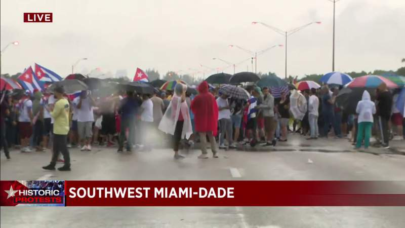 More Cuban-American protesters arrive at Palmetto Expressway