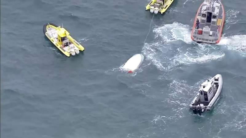 4 rescued after vessel capsizes off Hugh Taylor Birch State Park